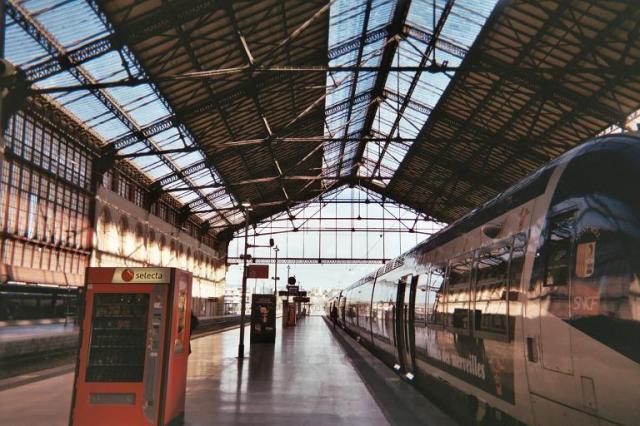 Photos de Hollande et d'ailleurs - Page 2 197_1363555862_046-gare_-_e018_15a