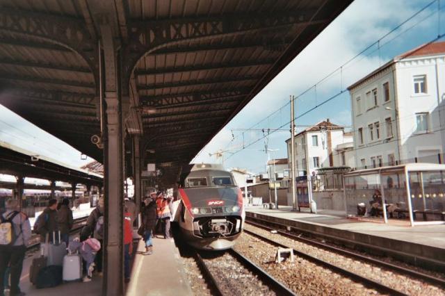Photos de Hollande et d'ailleurs - Page 2 197_1363556448_054-tgv_-_h021_18a