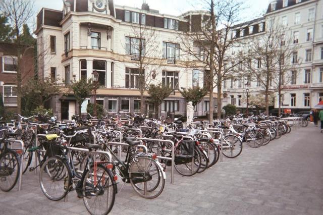 Photos de Hollande et d'ailleurs - Page 2 197_1371316524_029-parking-5-020_17a